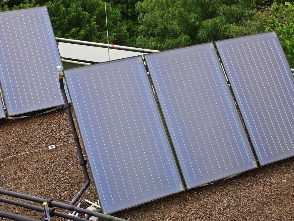 Solar thermal collectors on a flat roof